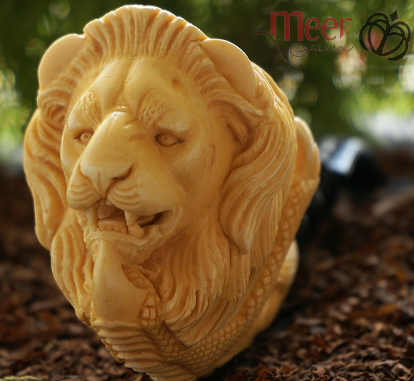 Lion with Claw Block  Meerschaum Pipe |DIAMOND SERIES